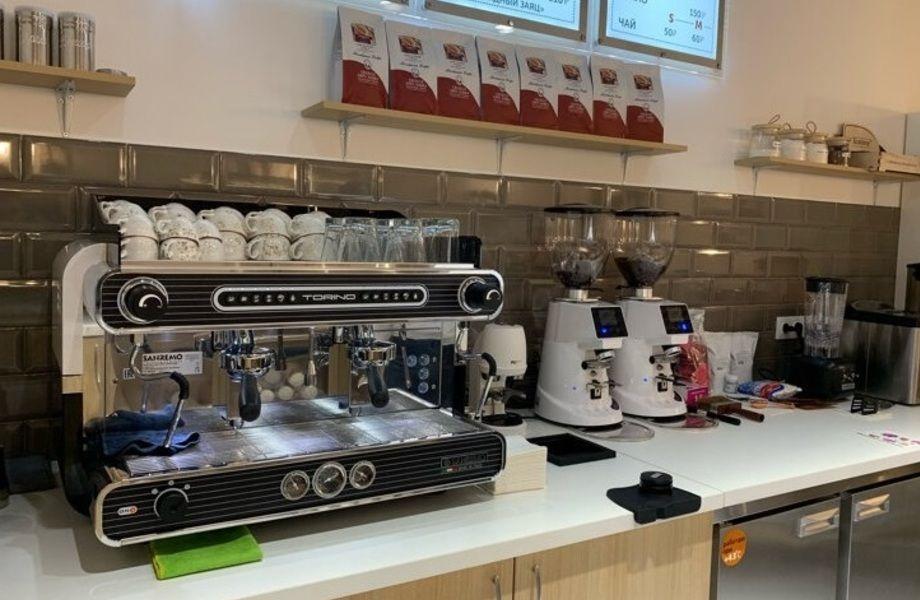 Кофейня на первом этаже бизнес-центра/ Прибыль 150 000 р. в месяц