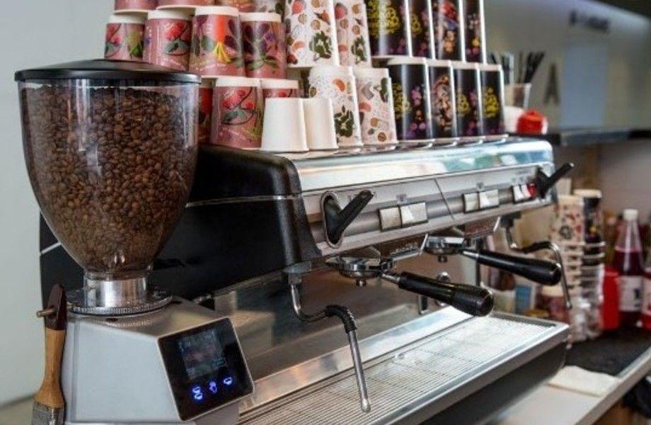 Точка кофе с собой в БЦ на Петроградке