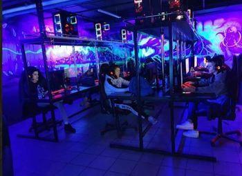 Сеть компьютерных клубов в разных районах / Прибыль 670 тыс. руб.