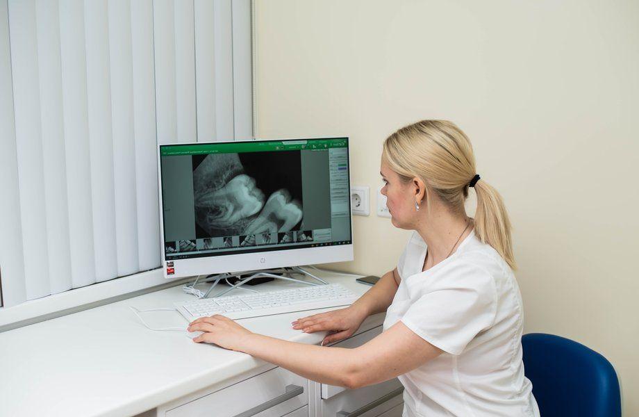 Стоматология (3 кабинет+рентген) / Работает 25 лет
