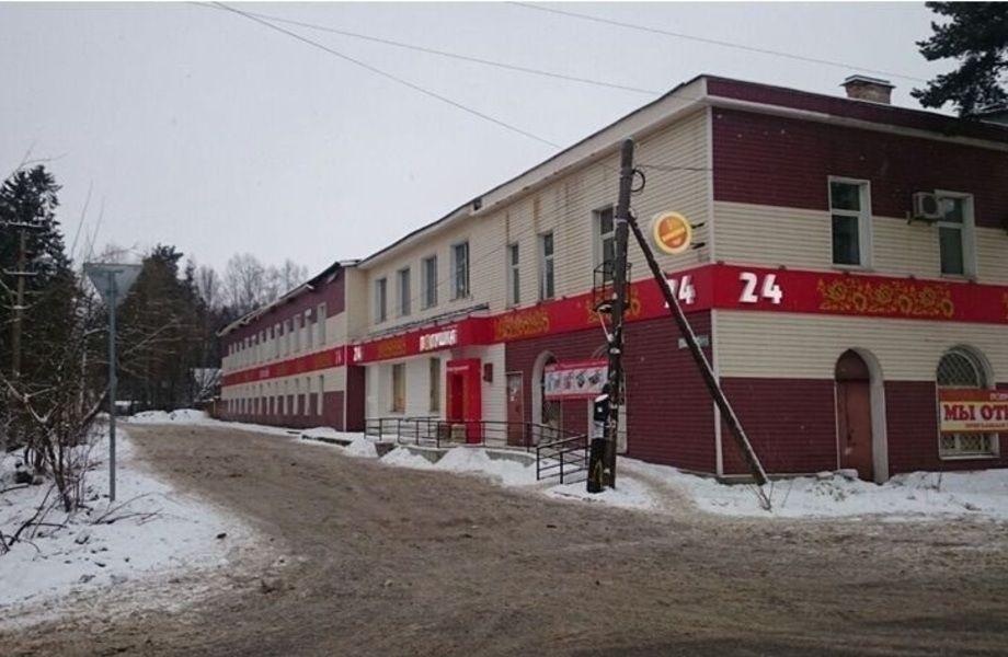 Торговый комплекс площадью 1974 кв.м.