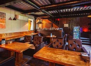 Лаундж-бар с бильярдом (без конкурентов)