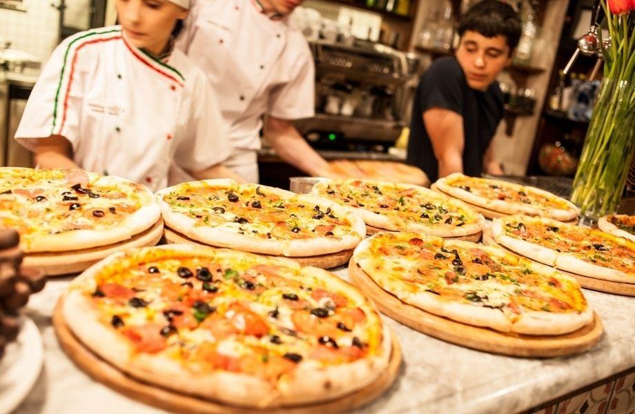 Пиццерия на юге города / 30 посадочных мест + доставка