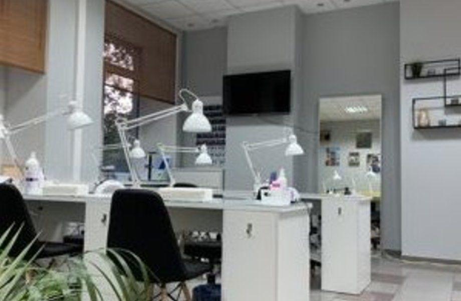 Салон красоты в центре с дизайнерским ремонтом / По цене активов