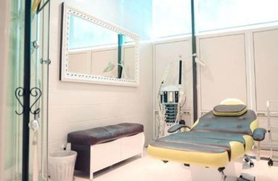 Салон красоты с медицинской лицензией и большим товарным остатком