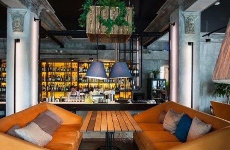 Прибыльный бар с алкогольной лицензией на севере города