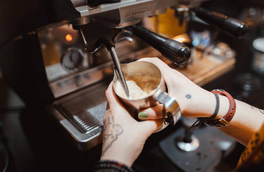 Сеть кофе с собой в проходных местах (200 тысяч доход)