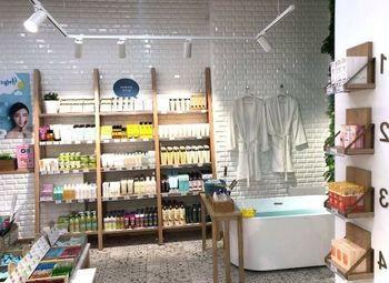 Магазин корейской косметики работает 4 года / В ТРК