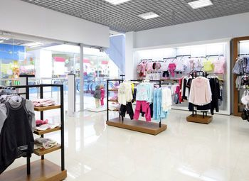 Магазин одежды в ТЦ с прибылью от 300 000 рублей
