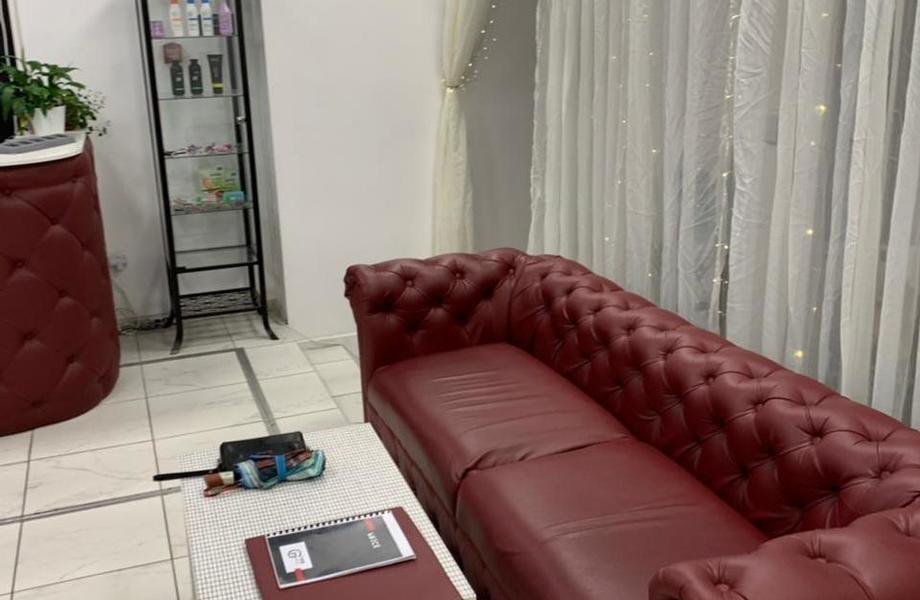Салон красоты на севере с современным ремонтом и мебелью