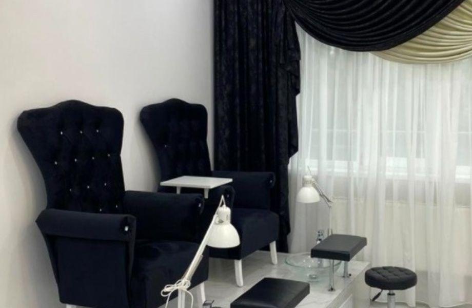 Известный и прибыльный салон красоты/ Большая база постоянных клиентов