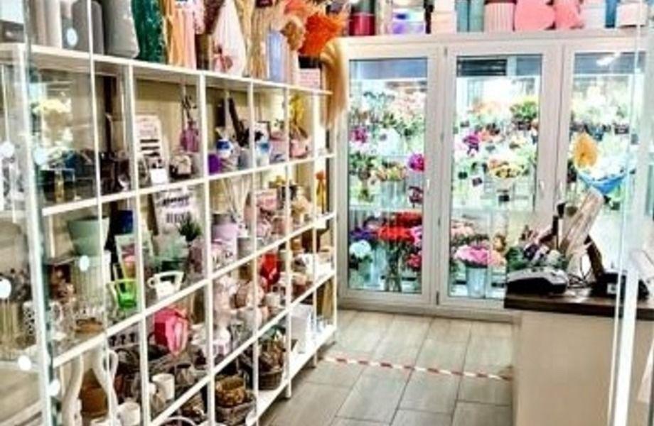 Магазин цветов с низкой арендой в центре Москвы