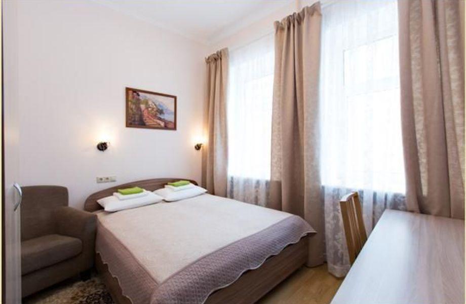 Отель на 8 номеров с санузлами