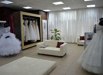 Свадебный бренд, 2 салона и производство