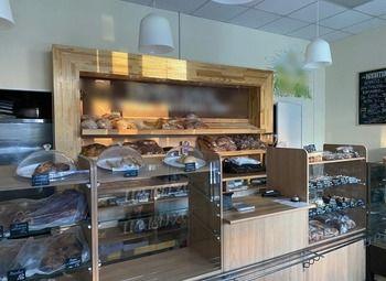 Пекарня в торговых рядах с базой постоянных клиентов