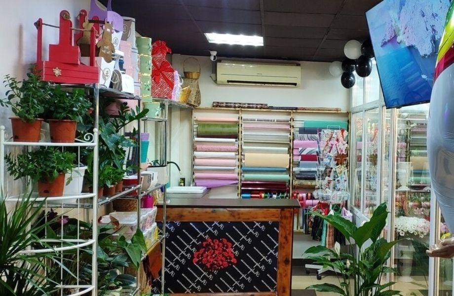 Цветочный магазин 24/7 в густонаселенном районе