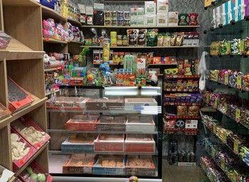 Кондитерский магазин в торговом центре