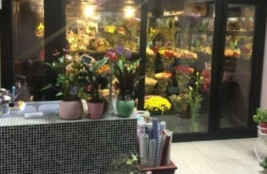 Действующий цветочный в спальном районе со стабильной ЧП