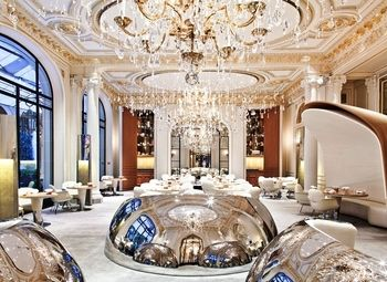 Ресторан высокого уровня в центре Санкт-Петербурга