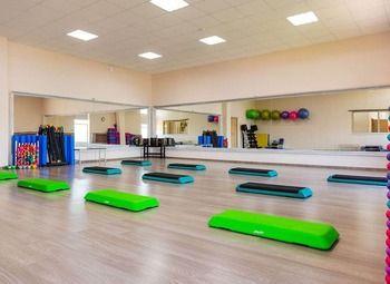 Современная фитнес-студия в густонаселенном районе без конкурентов