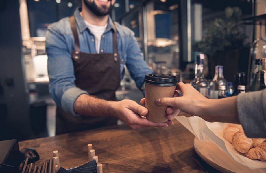 Кофе с собой/точка по дороге к метро/большой трафик