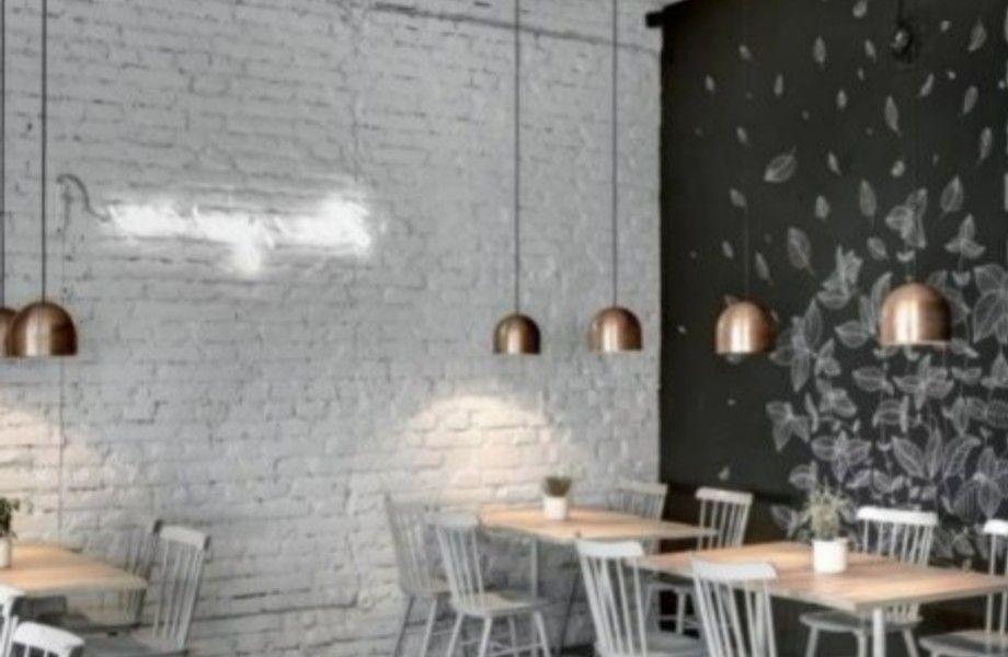 Кофейня в центре города с оборудованной кухней / уникальный дизайн