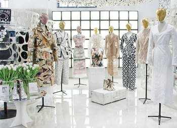 Прибыльный магазин женской одежды в центре города